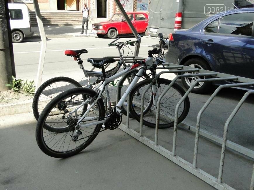 Крадіжки велосипедів у Хмельницькому частішають: як вберегти свого двоколісного (Фото), фото-1