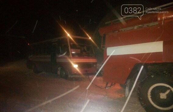 На Хмельниччині за минулу добу рятувальники з снігових заметів звільнили більш ніж 20 автівок. ФОТО.ВІДЕО , фото-4