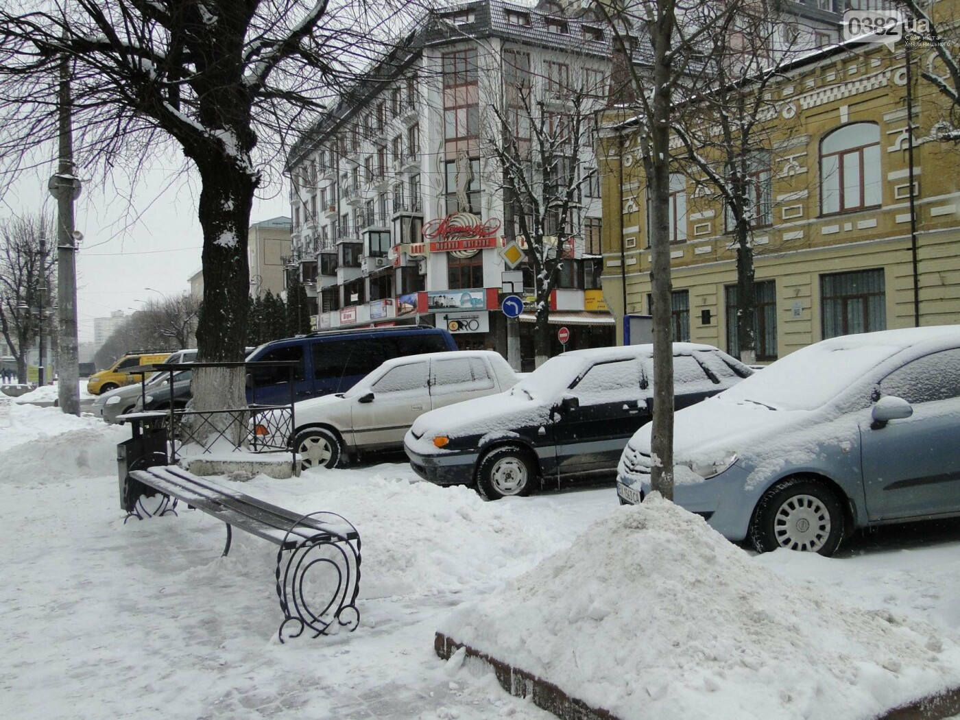Засипало: пішки по Хмельницькому в останні дні лютого березня. ФОТО, фото-4