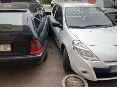 ДТП у Хмельницькому: Догори дригом та автівка без водія, що пошкодила 5 ТЗ. ФОТО, фото-4