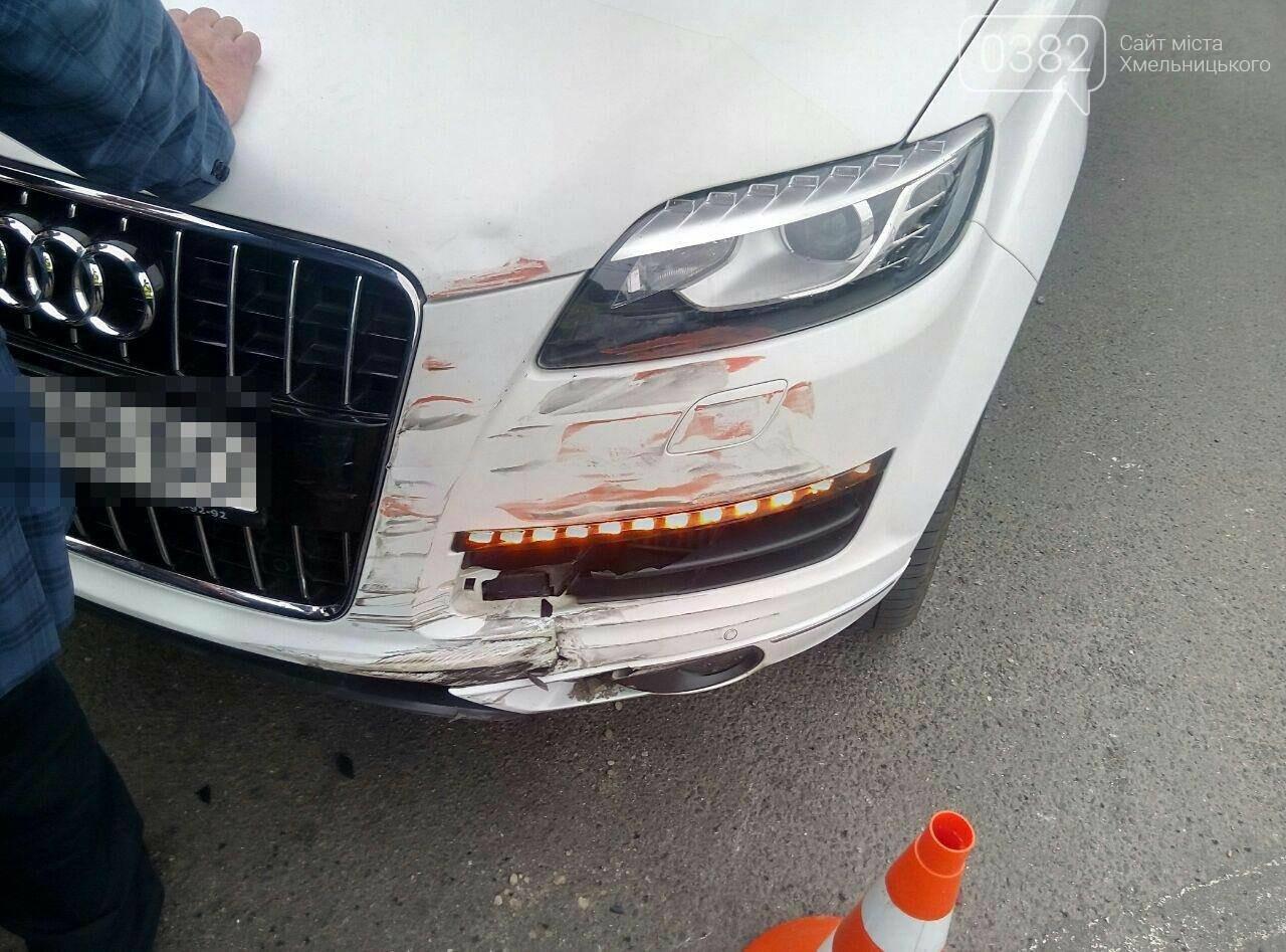 ДТП у Хмельницькому: Догори дригом та автівка без водія, що пошкодила 5 ТЗ. ФОТО, фото-7