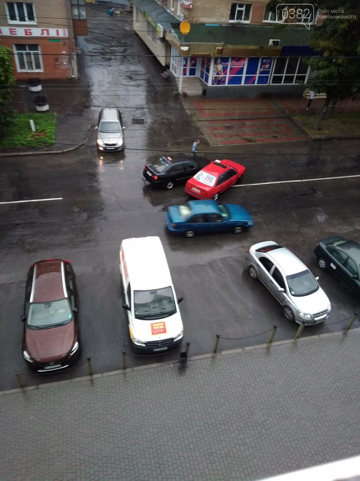 У Хмельницькому два таксиста не поділили дорогу. ФОТО. ВІДЕО, фото-1