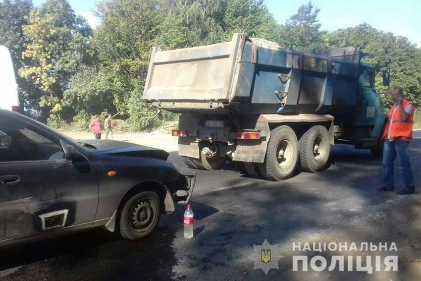 На Хмельниччині «Daewoo Sens» зіткнувся з вантажівкою: водій легковика в лікарні , фото-2