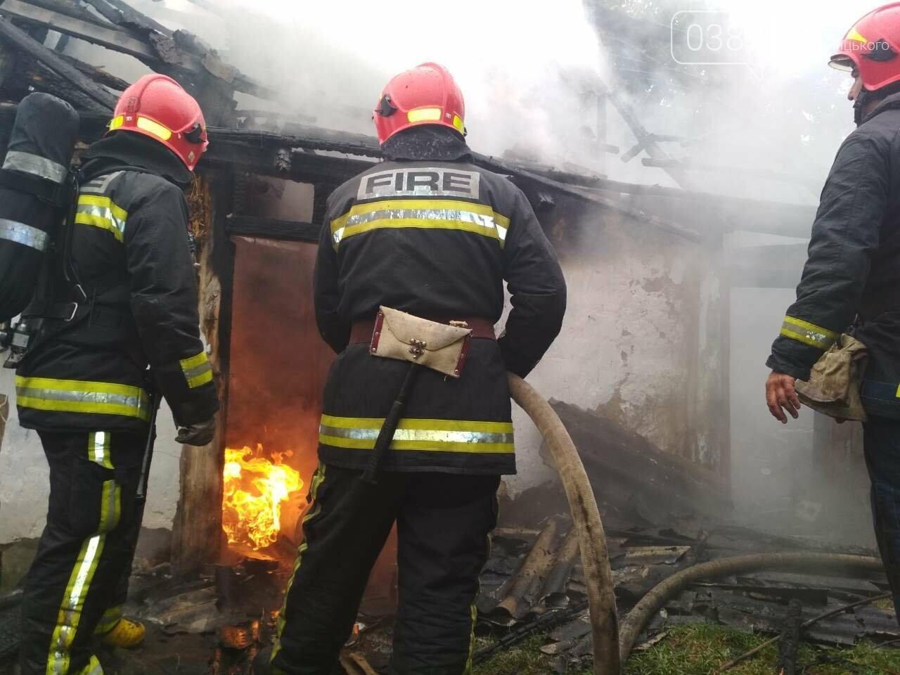 На Хмельниччині під час пожежі господарчої будівлі, травмувався 56-ти річний чоловік, фото-1