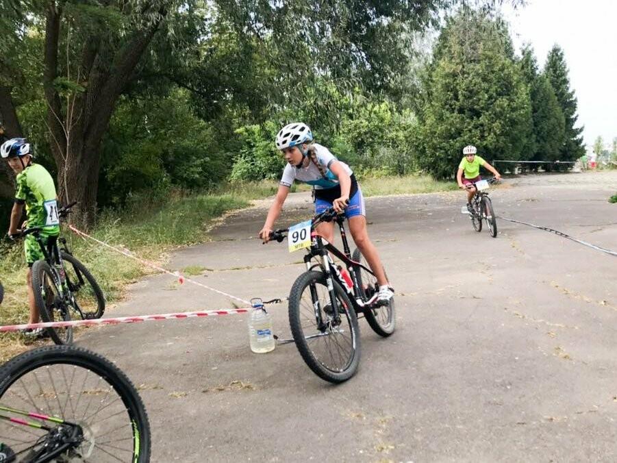 16 нагород у Хмельницький привезли спортсмени зі змагань з маунтенбайку, фото-3