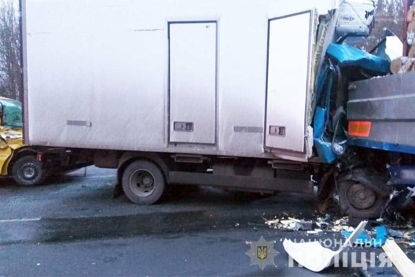 На Хмельниччині сталася жахлива ДТП за участі вантажівки. Є травмовані. ФОТО, фото-2
