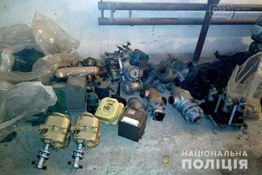 На Хмельниччині наряд поліції охорони затримав серійних злодіїв-гастролерів із сусідньої Рівненщини, фото-5