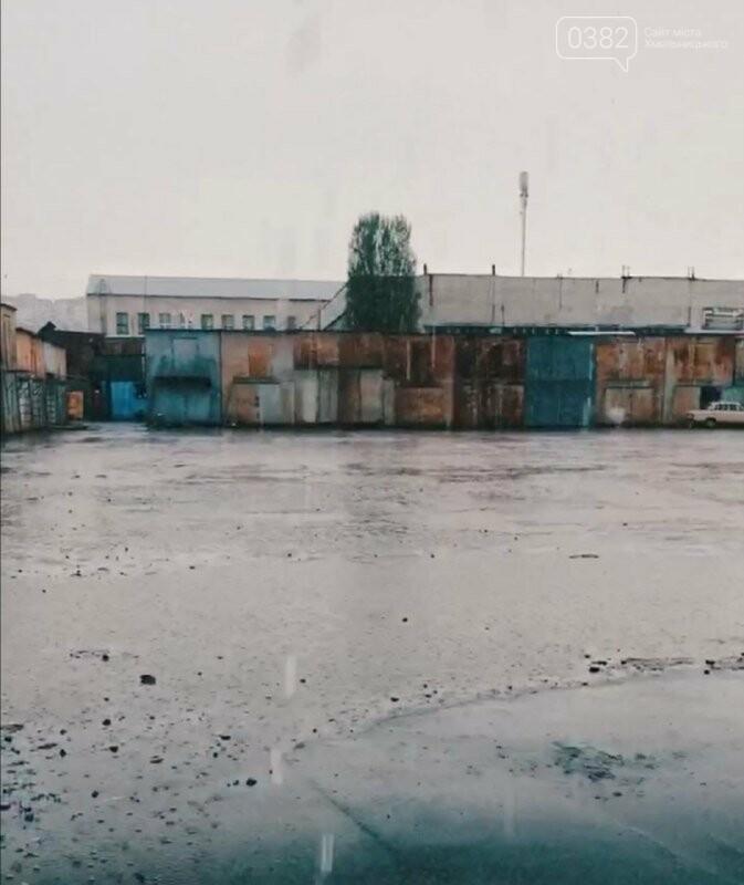 У Хмельницькому травневий дощ затопив речовий ринок, фото-2