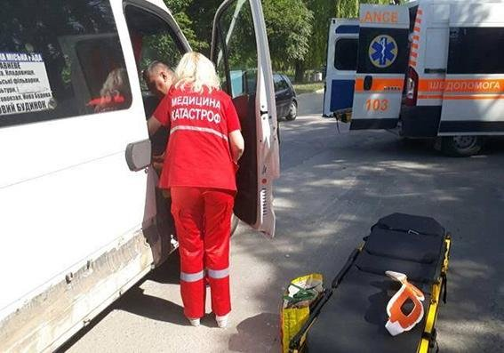 ДТП на Хмельниччині: пасажирка маршрутки зазнала важких травм (Фото), фото-1