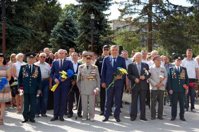У Хмельницькому в День скорботи вшанували пам'ять жертв війни , фото-1