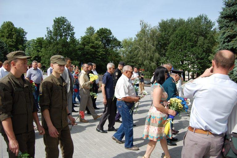 У Хмельницькому в День скорботи вшанували пам'ять жертв війни , фото-3