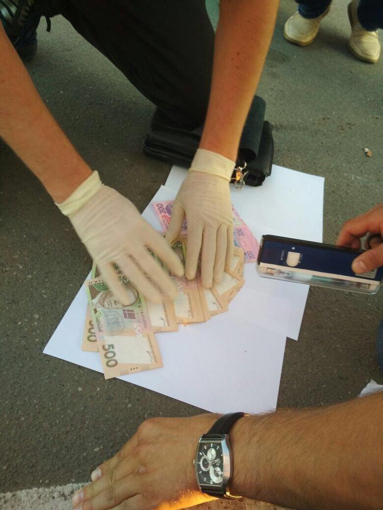 Начальник відділення колонії на Хмельниччині вимагав хабар за дострокове звільнення засудженого (Фото), фото-2