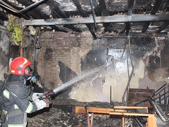 У Хмельницькому під час пожежі у центрі соціально-психологічної реабілітації врятовано 38 дітей, фото-1