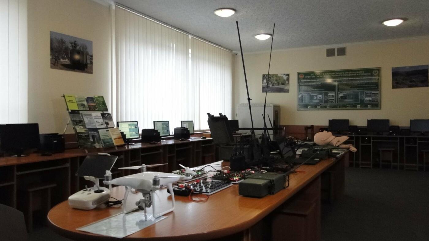 У Хмельницькій прикордонній академії провели ювілейну Всеукраїнську науково-практичну конференцію (Фото, Відео), фото-2