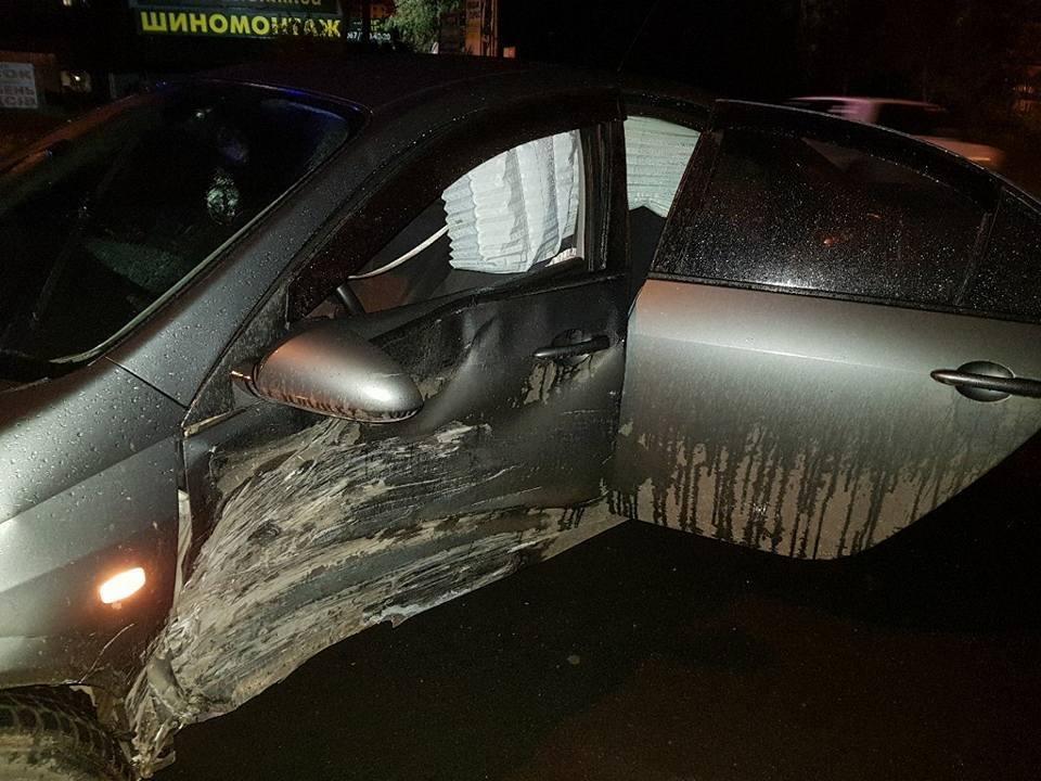 У Хмельницькому при зіткнення автомобілів постраждали водії (Фото), фото-2