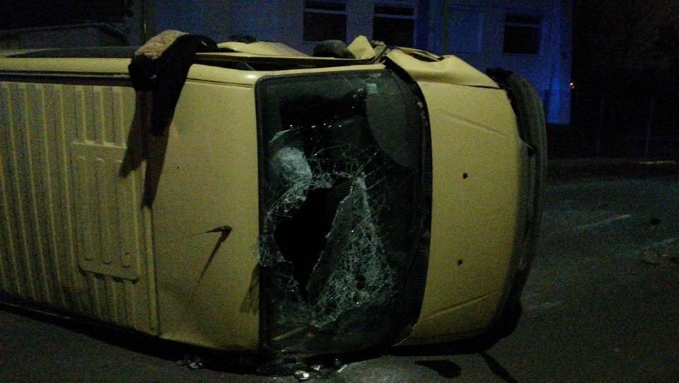 Моторошне зіткнення автомобілів у Хмельницькому: в аварії постраждала дитина (Фото), фото-1