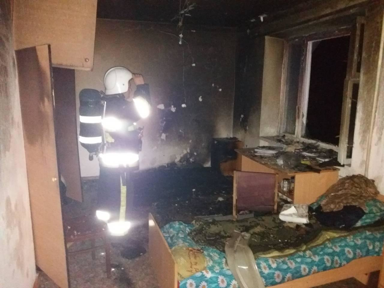 На Хмельниччині під час гасіння пожежі у гуртожитку коледжу евакуйовані 150 студентів (Відео, Фото), фото-2