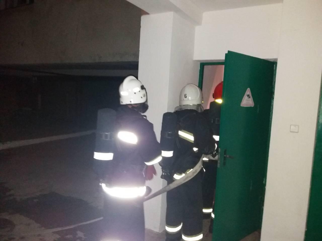 На Хмельниччині під час гасіння пожежі у гуртожитку коледжу евакуйовані 150 студентів (Відео, Фото), фото-3