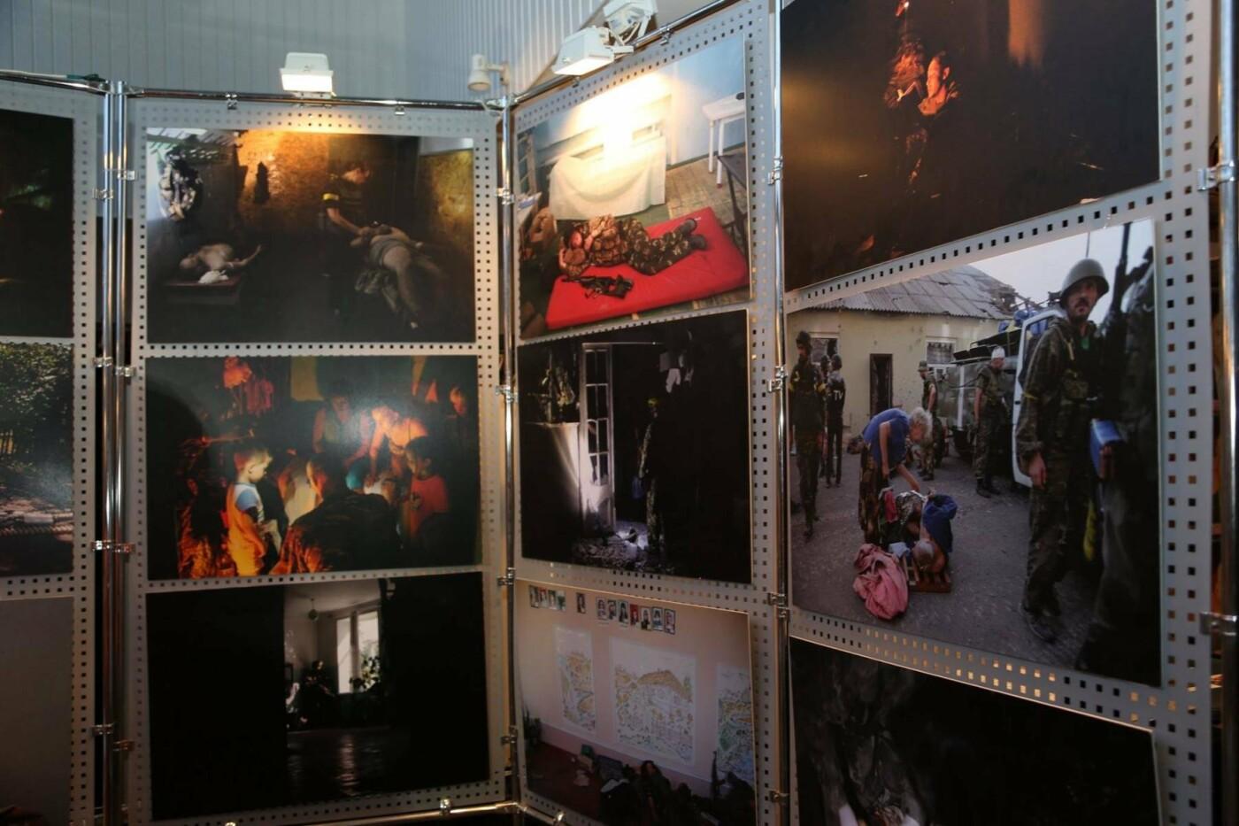 Хмельничанам показали світлини з Іловайська, фото-3