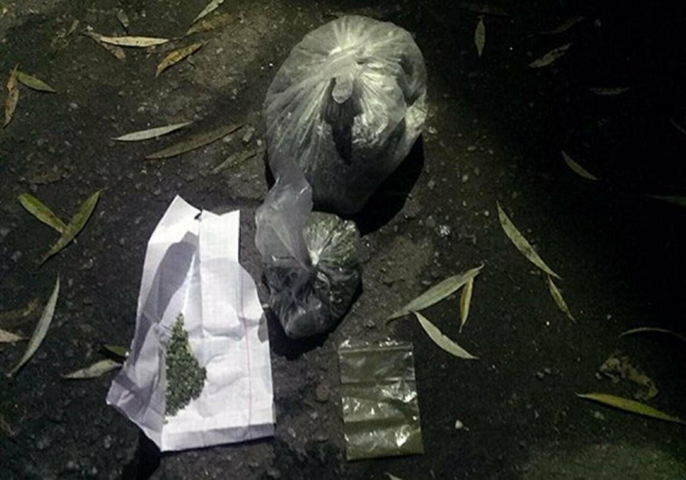 Хмельничанин пересувався по місту з повним рюкзаком наркотиків (Фото), фото-1