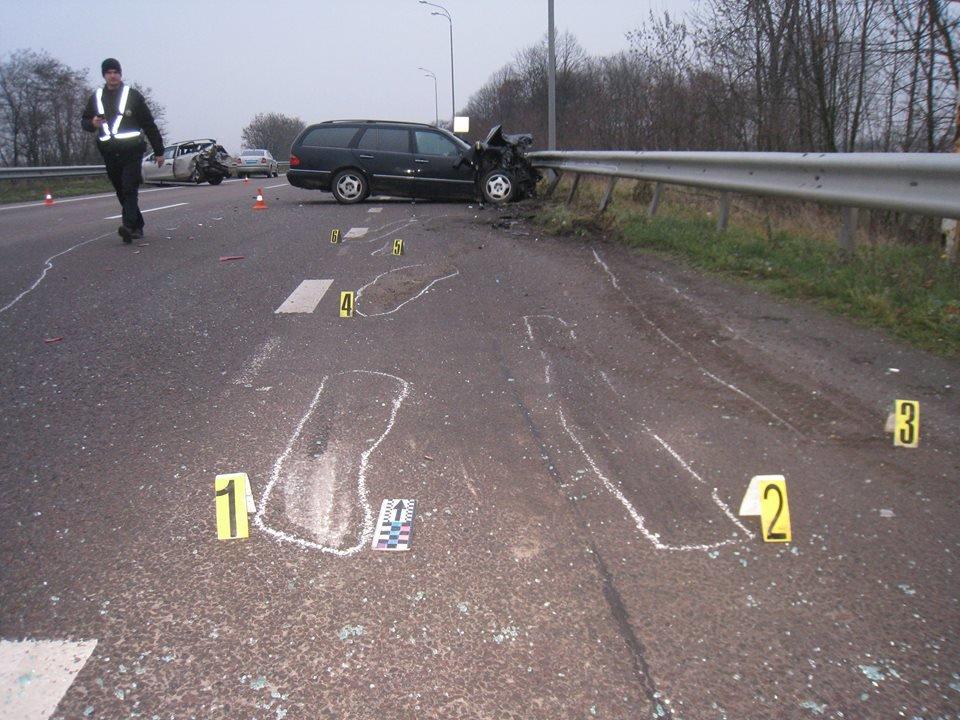 На трасі «Київ - Чоп» в аварії постраждала сім'я з Хмельниччини (Фото), фото-2