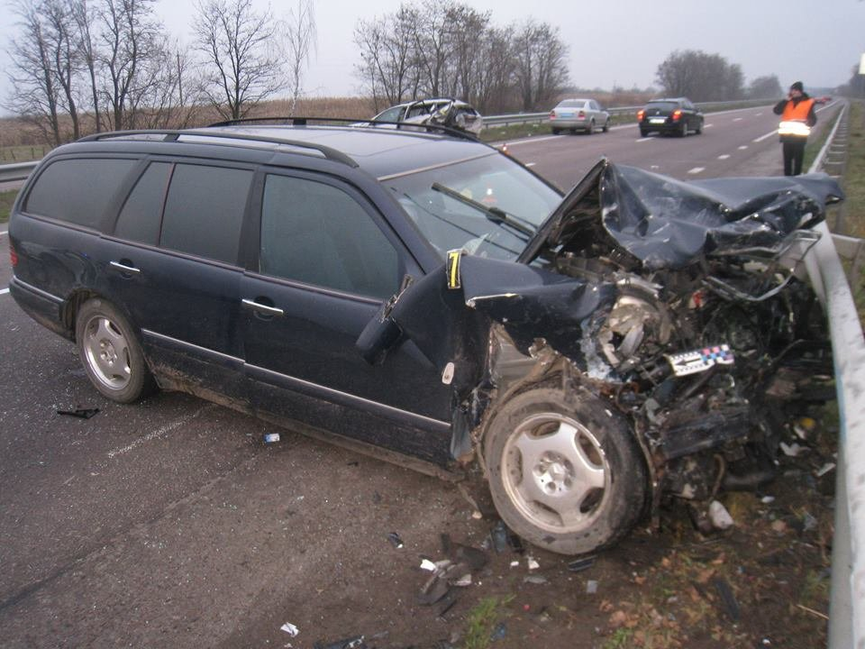 На трасі «Київ - Чоп» в аварії постраждала сім'я з Хмельниччини (Фото), фото-1