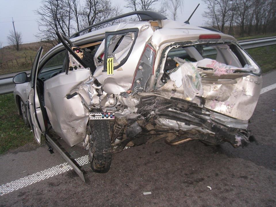 На трасі «Київ - Чоп» в аварії постраждала сім'я з Хмельниччини (Фото), фото-3