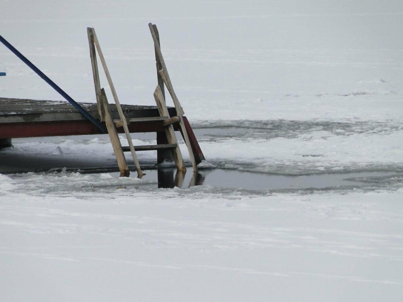 Через тонку кригу, на Водохреща у Хмельницькому в ополонку пірнатимуть з пірса. ФОТО. ВІДЕО, фото-2