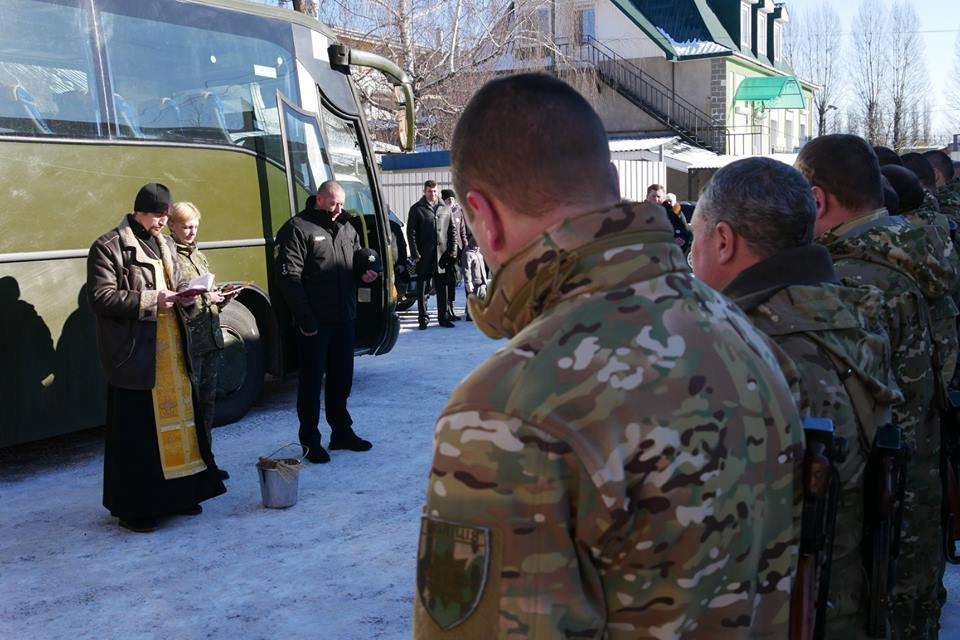 Ротація в зоні АТО: з Хмельницького на Схід відправилися правоохоронці. ФОТО, фото-4