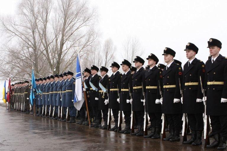 Подільські ліцеїсти взяли участь у всеукраїнських меморіальних заходах до 100-річчя бою під Крутами.ФОТО, фото-2