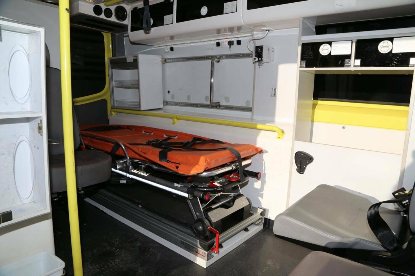 Сучасний реанімобіль відтепер обслуговуватиме маленьких пацієнтів Хмельницької міської дитячої лікарні, фото-3