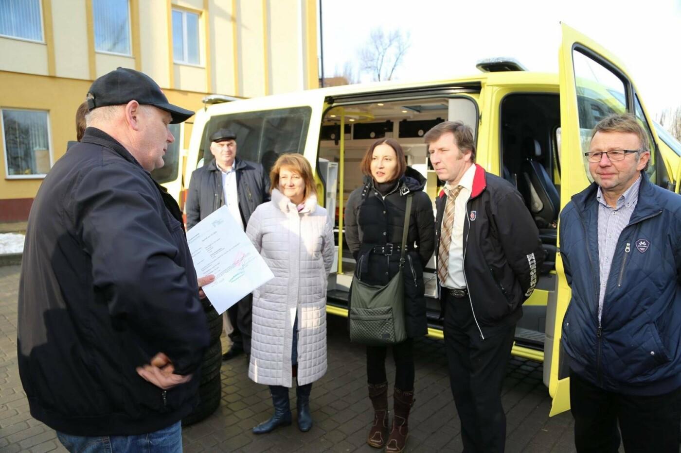 Сучасний реанімобіль відтепер обслуговуватиме маленьких пацієнтів Хмельницької міської дитячої лікарні, фото-7