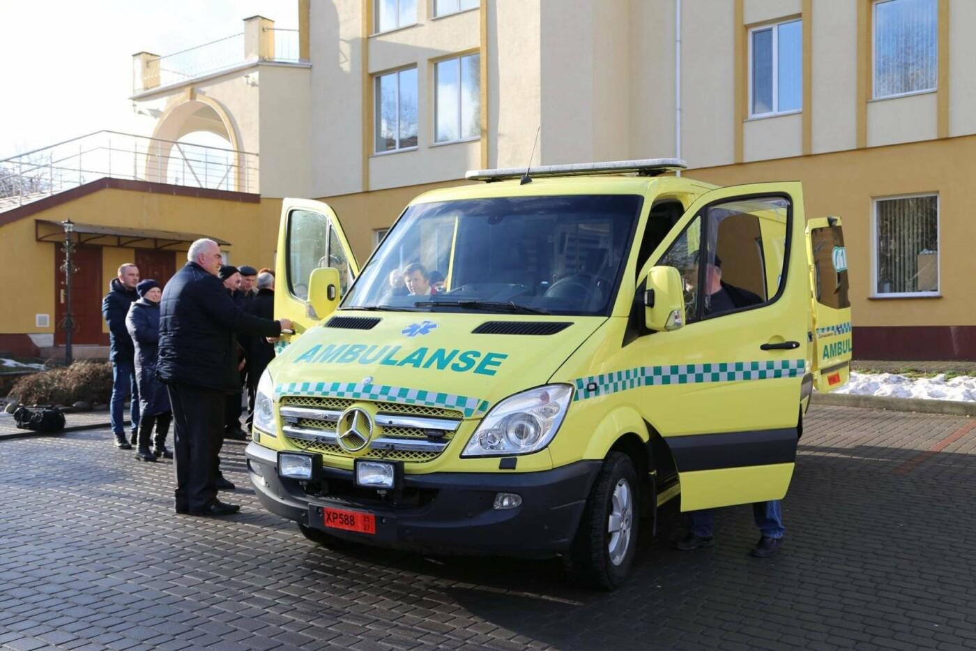 Сучасний реанімобіль відтепер обслуговуватиме маленьких пацієнтів Хмельницької міської дитячої лікарні, фото-8
