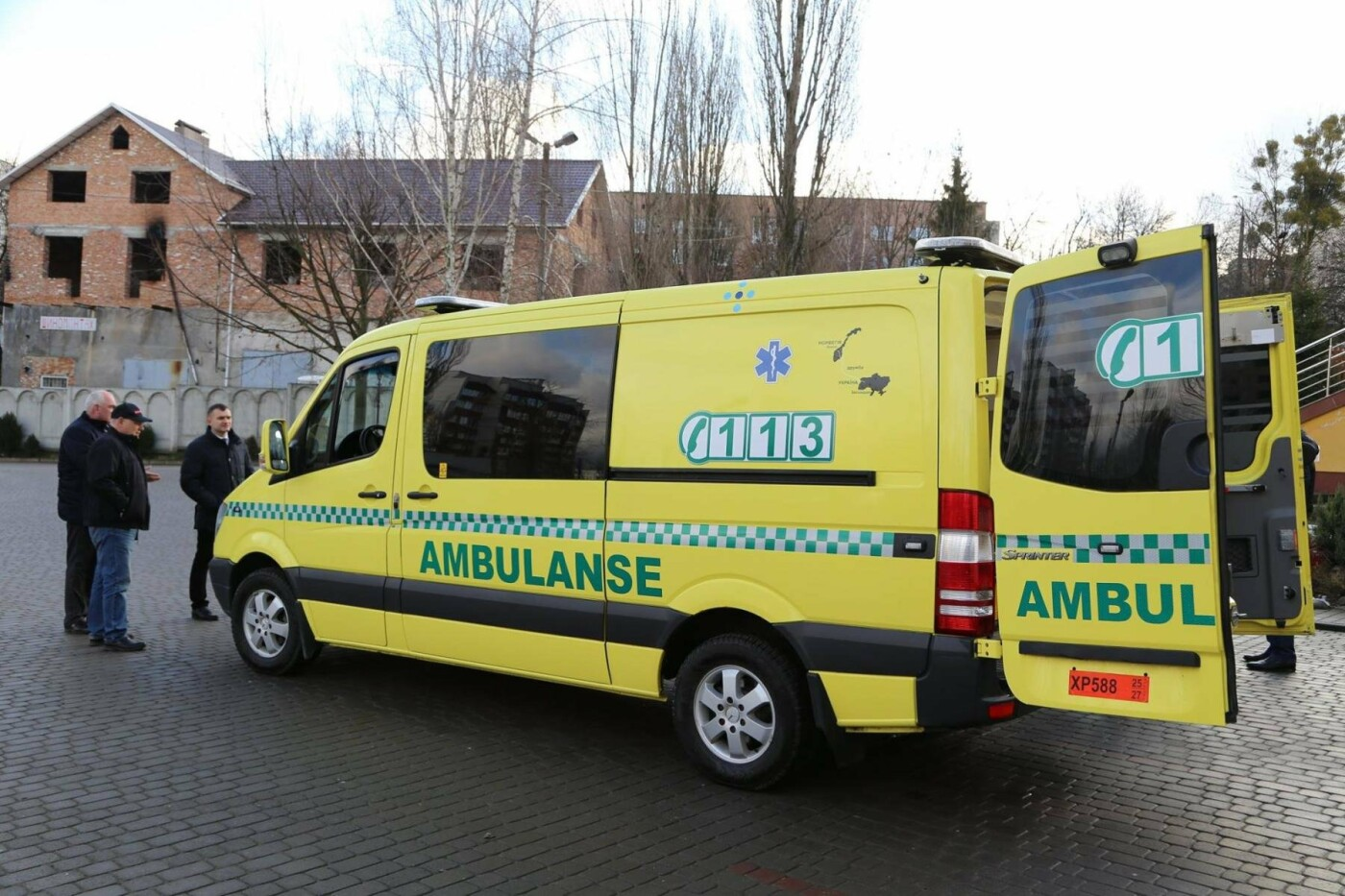 Сучасний реанімобіль відтепер обслуговуватиме маленьких пацієнтів Хмельницької міської дитячої лікарні, фото-9