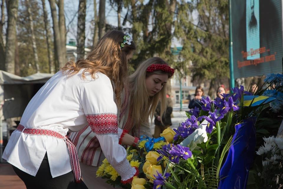 Хмельничани  вшанували Великого Кобзаря. ФОТО, фото-9