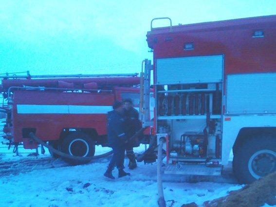 На Хмельниччині внаслідок пожежі житлового будинку постраждало двоє людей.ФОТО, фото-2