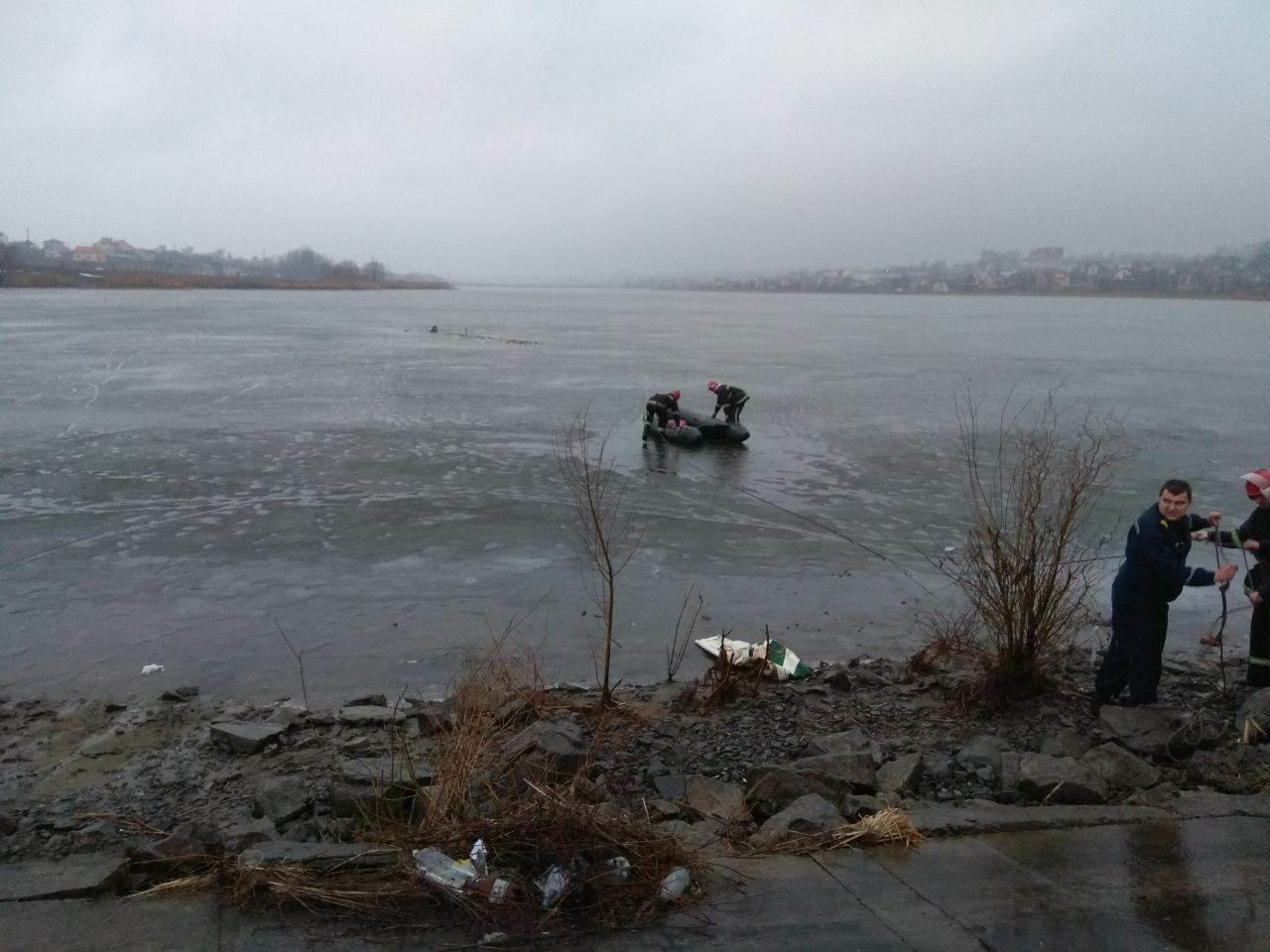 Як я радий вас бачити: У Хмельницькому випадково врятували чоловiка, що опинився у водi.ФОТО.ВІДЕО, фото-5