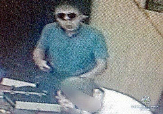 У Хмельницькому за розбійний напад на кредитну спілку чоловіка позбавили волі на 8 років  , фото-3