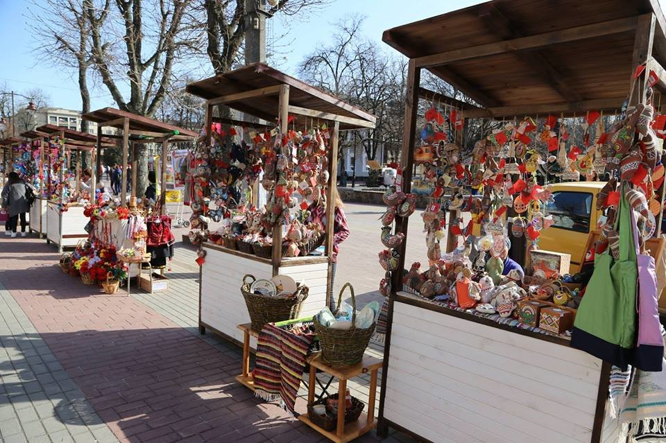 Красивий Великдень: У Хмельницькому засвітили 3-метрову писанку. ФОТО.ВІДЕО, фото-19