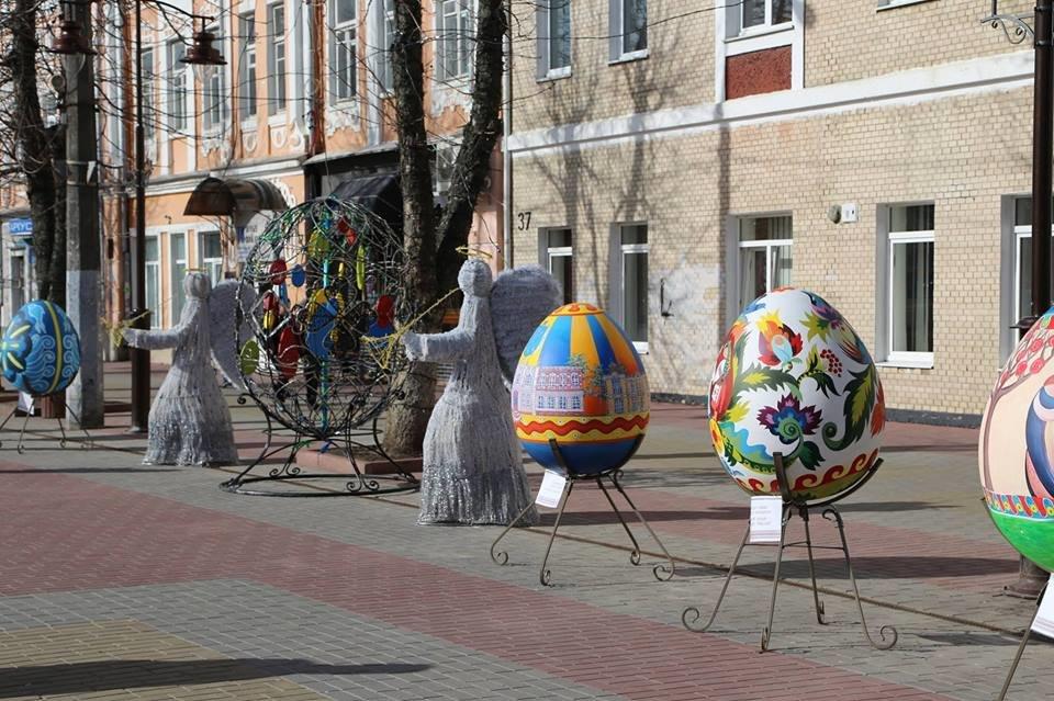 Красивий Великдень: У Хмельницькому засвітили 3-метрову писанку. ФОТО.ВІДЕО, фото-7