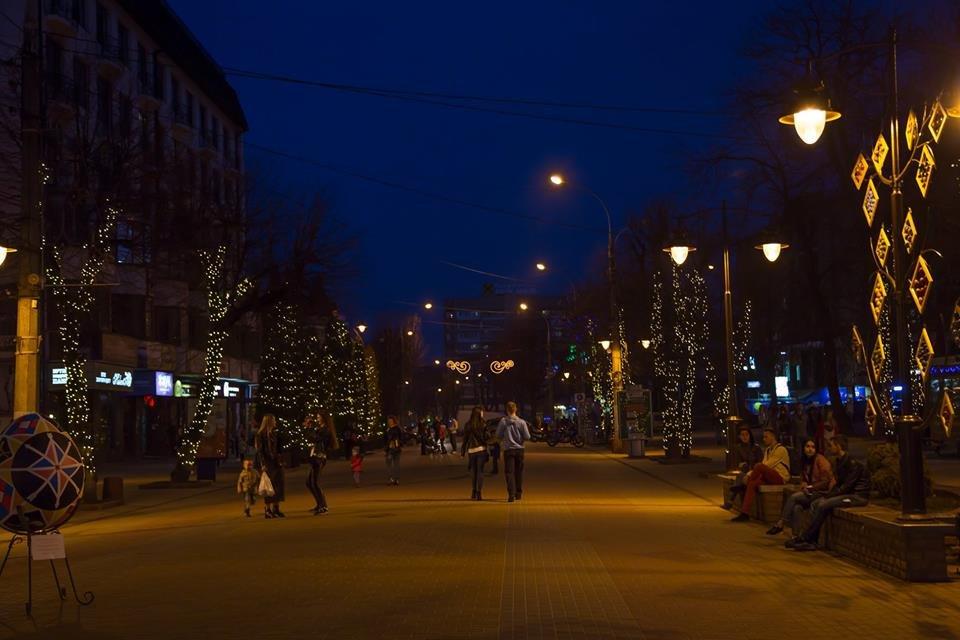 Красивий Великдень: У Хмельницькому засвітили 3-метрову писанку. ФОТО.ВІДЕО, фото-14