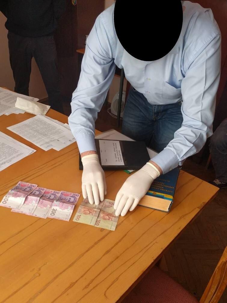 """На Хмельниччині правоохоронець повідомив керівництву про факт """"підкупу"""".ФОТО, фото-1"""