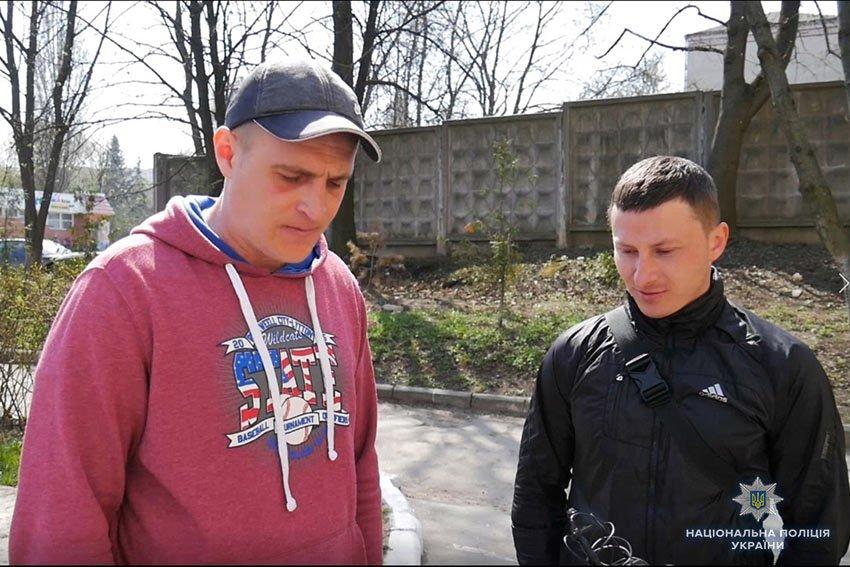 На магазин у Хмельницькому було вчинено розбійний напад із застосуванням зброї. ФОТО.ВІДЕО, фото-2