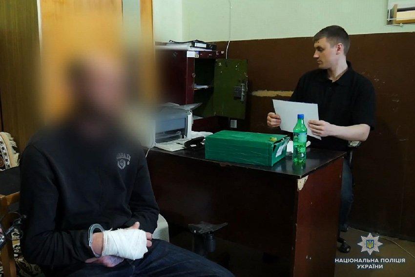 На магазин у Хмельницькому було вчинено розбійний напад із застосуванням зброї. ФОТО.ВІДЕО, фото-3