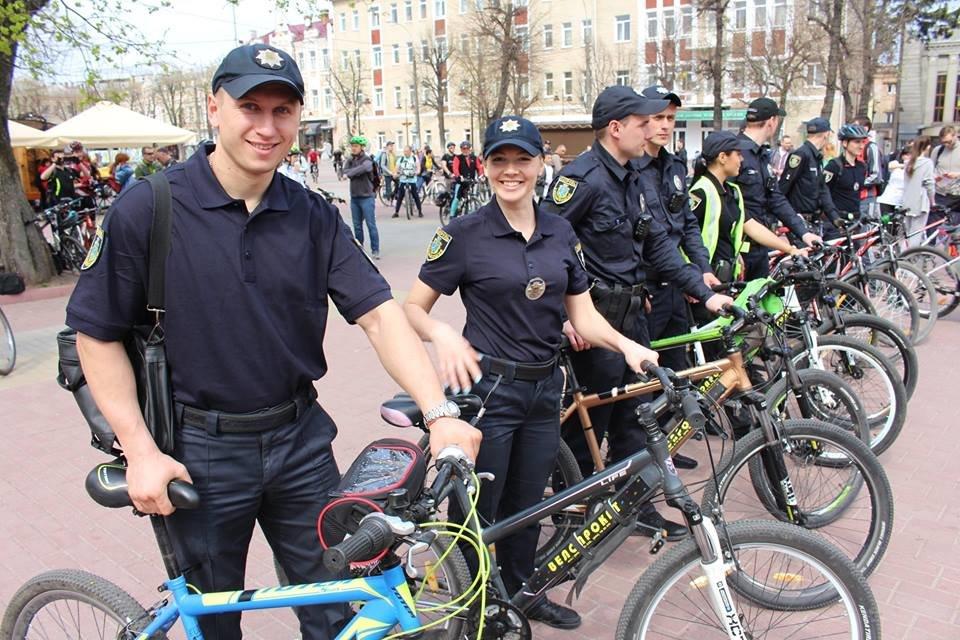 В місті Хмельницькому розпочав роботу поліцейський велопатруль , фото-2