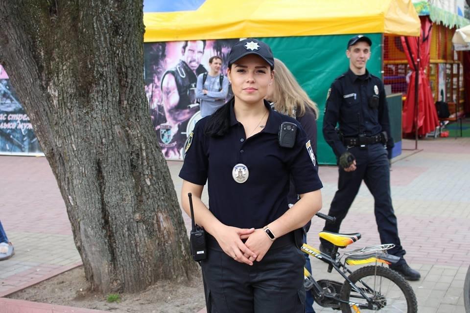 В місті Хмельницькому розпочав роботу поліцейський велопатруль , фото-3