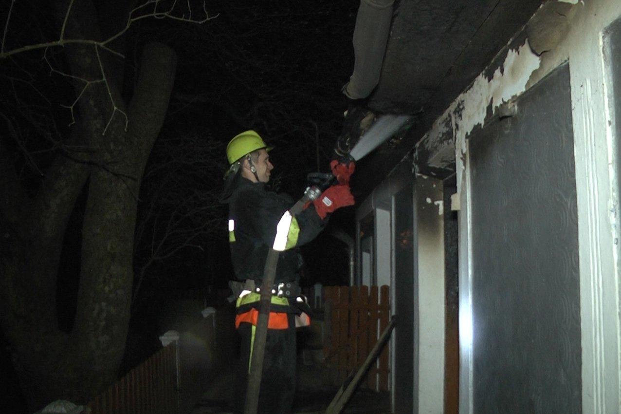 На Хмельниччині під час ліквідації пожежі рятувальники виявили тіла двох людей без ознак життя.ВІДЕО, фото-2