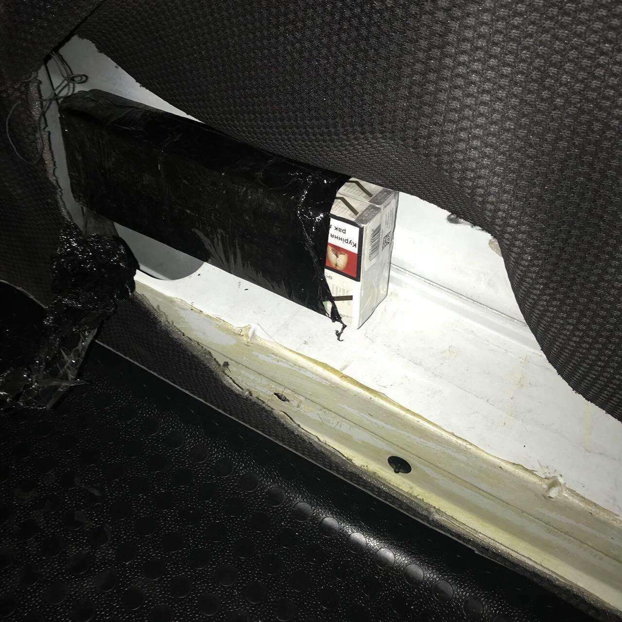 Хмельничанин віз сигарети в Італію, а в результаті позбувся автомобіля, фото-2