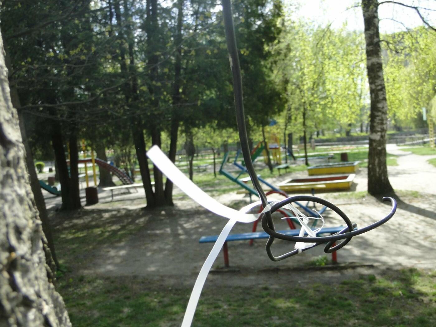 Травмоване дитинство: де зачаїлася небезпека на дитячому майданчику в парку Чекмана. ФОТО, фото-17