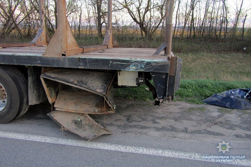 Поблизу Хмельницького зіткнулися легковик та вантажівка. Є постраждалі. ФОТО, фото-1